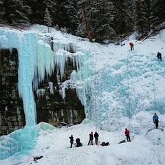Johnston Canyon (Mohsin Fancy) Tags: snow canada mountains ice frozen alberta banff spikes climbers