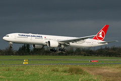 Turkish Airlines Boeing 777-3F2(ER), TC-LJA. (Trevor Mulkerrins) Tags: boeing airlines turkish 44121 7773f2er tclja