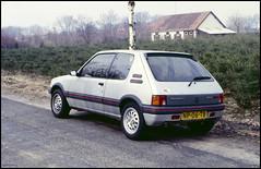 Peugeot 205 1.6 GTI (02) (Hans Kerensky) Tags: 120 scanner 16 gti agfa 1986 peugeot 205 200s plustek opticfilm