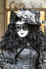 Carnaval Venise 2016-5904 (yvesw_photographies) Tags: street carnival italy shoot italia parade chapeaux carnaval venise venezia venedig personnes italie masque fasnacht masqué streetshoot carnavaldevenise2016