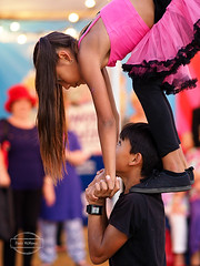 Fringe Festival 2016 (Paula McManus) Tags: kids streetperformers olympus adelaide brotherandsister southaustralia omd fringefestival rundlestreet streettheatre em10 paulamcmanus 75mm18 fringefestival2016