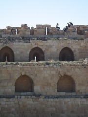 Yoof on the roof (AJoStone) Tags: jordan kerak