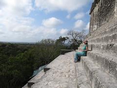 """Tikal: vue depuis le Temple à la Double Tête de Serpent <a style=""""margin-left:10px; font-size:0.8em;"""" href=""""http://www.flickr.com/photos/127723101@N04/25635679623/"""" target=""""_blank"""">@flickr</a>"""