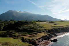Sierra y Mar (barcava_) Tags: costa azul mar asturias verano montaa rasa acantilados sueve cantbrico espasa