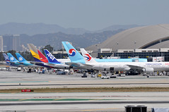 LAX  AIRPORT (airlines470) Tags: airport imperial lax avenue