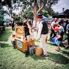 Barrel Organ (Chad Mauger) Tags: music 120 film mediumformat lomo lomography kodak australia fair instrument southaustralia prospect filmphotography barrelorgan kodakportra160 lca120 rollinaday rad2016march19
