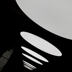 lamps & stairs (zecaruso) Tags: roma scale museum stairs explore museo lamps ze zeca maxxi lampade nikond300 zecaruso cicciocaruso zequadro ze
