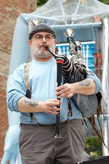 The pipes are calling (dangr.dave) Tags: mainstreet downtown texas tx fortworth bagpipe cowtown sundancesquare mainstreetartsfestival tarrantcounty panthercity squonkopera mainstreetartsfest