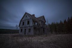 Haunted house (Madeleine Forsgren) Tags: longexposure sweden himmel sverige vrmland vergivet dehus spkhus madeleineforsgren