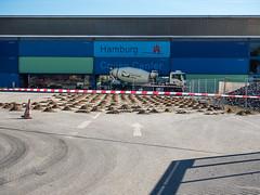 Without words (151) (Suchbild) Tags: street hamburg baustelle hafen hafencity maulwurf kreuzfahrt strase