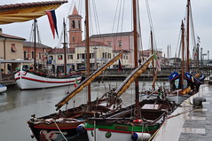Port canal, Cesenatico, province de Forli-Cesena, Emilie-Romagne, Italie. (byb64) Tags: italien italy museum port boats puerto canal fishing europa europe italia barcos harbour eu bateaux muse porto museo kanal fc hafen pesca fo italie canale ue emiliaromagna romagna pche cesenatico pesquero portocanale romagne imbarcazione emilieromagne provinciadiforlcesena emiliaromaa provincedeforlicesena