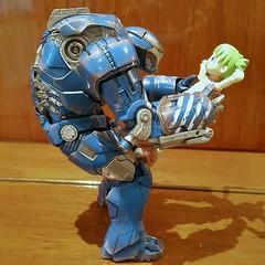 YOTSUBA and IGOR (Alfred Life) Tags: home toy shanghai ironman 上海 igor 家 玩具 yotsuba 四葉 四葉妹妹 よつばと mk38 鋼鐵人 mark38 富宏花園 伊格爾