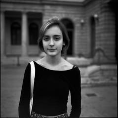 ana (guilhermegaspar) Tags: portrait 6 white black 120 6x6 mamiya film branco blackwhite kodak trix pb preto scan d76 epson medium filme mam medi forma develop f35 75mm