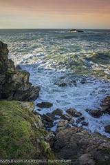Quiberon Ombre et Lumière (David-Martinelli-Photos.net) Tags: sunset sea mer rocks waves lumière bretagne breizh vagues coucherdesoleil rochers bzh quiberon côtesauvage lumièreducouchant paysagesmarins couleursducouchant sonya7r sonyfe28f2