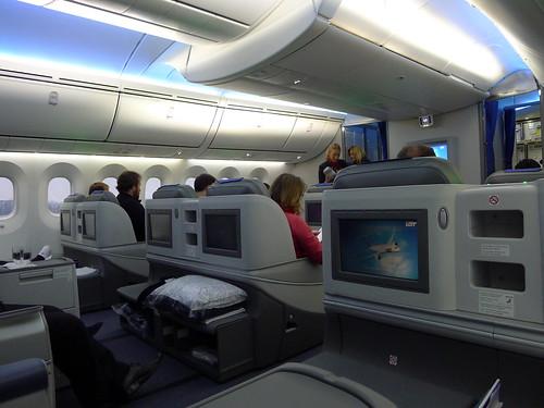 LOT 788 SP-LRC Business Class cabin