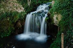 Parco degli Acquedotti waterfall (Eduardo Henrique Bertuci) Tags: parco roma fall water italia degli appia acquedotti