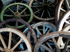 ausrangiert (me*voil) Tags: wood abstract wheels discarded dumped