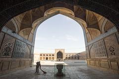 Jameh mosque, Esfahan (D A Scott) Tags: arch iran islam persia mosque esfahan islamic jameh