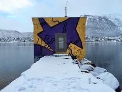 04-02-16 Tromso, Norvge (marisan67) Tags: street streetart detail graffiti photo photographie streetphoto 365 rue pola murs tromso dtail clich 5s norvge 2016 instantan 365project iphonography iphonegraphy iphonographer polaphone iphonographie iphoneographie iphone5s