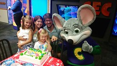 Maddie & Family With Chuck E. Cheese (Joe Shlabotnik) Tags: cameraphone lily madeleine chuckecheeses sarahp 2015 bliksem june2015 galaxys5