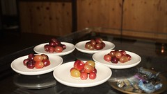 DSC_0050 (1riccardo) Tags: madrid stilllife macro newyear grapes newyearseve uva grape capodanno acini