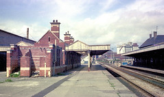 Avonmouth station (1), 1977 (Blue-pelican-railway) Tags: station bristol railway gloucestershire avonmouth severnbeachline
