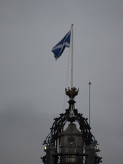 The Balmoral Hotel, Edinburgh from Princes Street Gardens (iainh124a) Tags: uk scotland edinburgh sony cybershot sonycybershot iainh124a dx90 dschx90 dschs90v dx90v