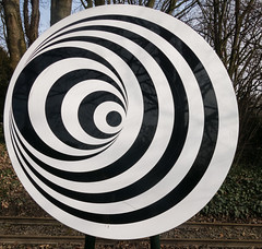 Spirale (Peter L.98) Tags: spirale kreis scheibe optik scharzweiss tuschung