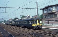 165 + 628  Baulers  09.06.93 (w. + h. brutzer) Tags: analog train nikon eisenbahn railway zug trains et belgien eisenbahnen triebwagen sncb triebzug baulers triebzge webru