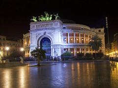 Teatro Politeama Garibaldi (nandiestevez) Tags: travel italy italia cityscape sicily palermo sicilia stadtbild paisajeurbano politeama paesaggiourbano paysageurbain