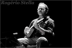 Ronen Altman (Rogerio Stella) Tags: show stella bw music white black branco portraits banda photography photo concert nikon do photographer tour song retrato live stage gig performance band mandolin pb preto bands solo rogerio portraiture idol instrument som fotografia documentation venue instruments msica nacional ronen palco estreia fotojornalismo dolo altman bando apresentao 2015 bandolim documentao documentarist bandolinista