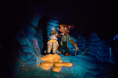 Brer Fox & Brer Rabbit (TheTimeTheSpace) Tags: disney disneyworld waltdisneyworld magickingdom splashmountain brerrabbit frontierland brerfox darkride nikond810 sigma2414art