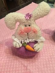 (Pina & Ju) Tags: bunny cores easter boneco handmade chocolate artesanato plush pscoa feltro patchwork coelho decorao tecido enfeite conejos cenoura