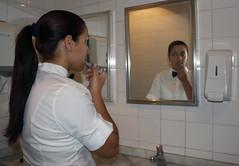 BF_Trabalho_20093003_AN_04 (brasildagente) Tags: maquiagem mulheres reflexos espelhos alunos homens pratos garons garonetes cursosdecapacitao cursosdegaron