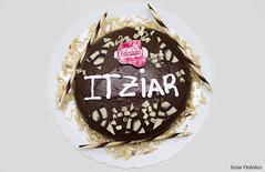 30. Alimentos - Feliz cumpleaos. (Itzar Ordez) Tags: blanco chocolate alimento feliz cumpleaos leche con nata tarta alimentos almendras felicitaciones felidades