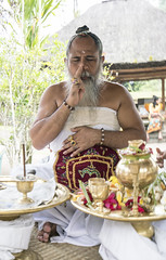 Ida Pedanda Gede Putra Kekeran (Christopher.Michel) Tags: bali temple rice fields batukaru