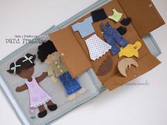 Quiet Book - atividade guarda roupa (Dani_Fressato) Tags: handmade artesanato craft felt feltro trabalhomanual quietbook ideiaseretalhos danifressato