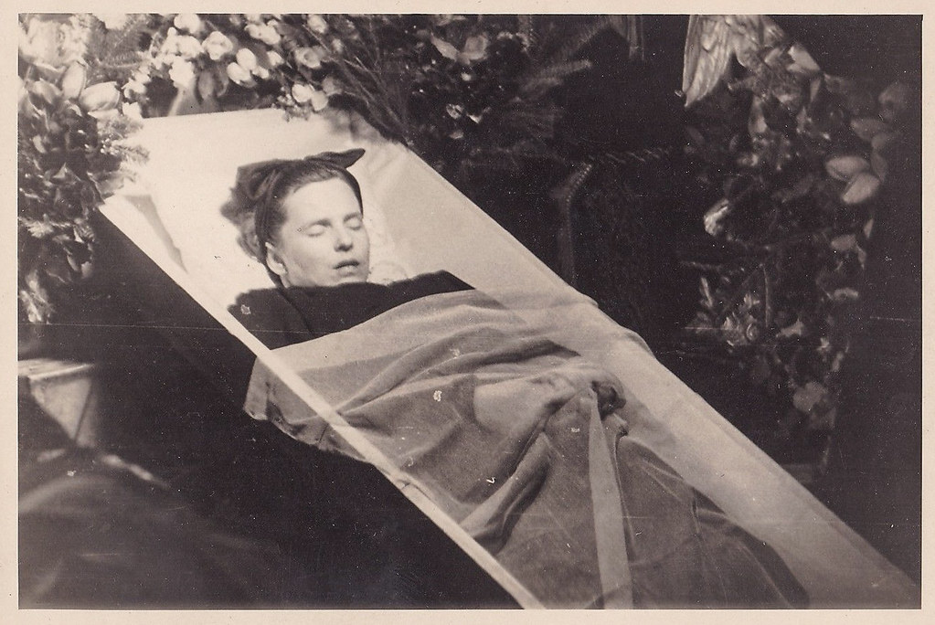 The World's Best Photos Of Postmortem And Vintage