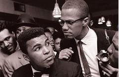 Malcolm X kidding around with Muhammad Ali - New York (1963) [1600 x 1038] #HistoryPorn #history #retro http://ift.tt/1MF3zaI (Histolines) Tags: new york history with malcolm x retro 1600 ali timeline around muhammad 1963 kidding 1038 vinatage historyporn histolines httpifttt1mf3zai