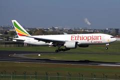 Ethiopian Cargo  Boeing 777-F60 ET-ARK (widebodies) Tags: brussels plane airport aircraft cargo boeing flughafen flugzeug brssel bru widebody ethiopian ebbr widebodies flugzeugbilder 777f60 etark