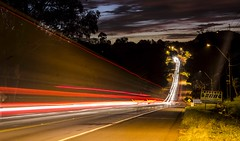 Luces.. (Rolo Egusquiza) Tags: longexposure car night lights paraguay lighttrail caacup