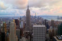 Sehnsucht (ploh1) Tags: nyc usa newyork skyline manhattan empirestatebuilding aussicht bigapple topoftherock ausblick schnheit wolkenkratzer stadtansicht hochhuser berhmt stadtlandschaft