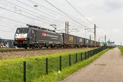 SBB Cargo 189 282, Rotterdam Vondelingweg, 13-4-2016 (mch68) Tags: holland netherlands rotterdam europe nederland rail sbb ffs 189 cff electriclocomotive schweizerischebundesbahnen es64f4 rotterdamvondelingenweg