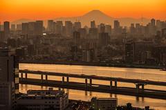 Mt.Fuji and Tokyo Tower at dusk (703) Tags: sunset japan skyscraper river tokyo twilight cityscape dusk mountfuji  tokyotower     mtfuji arakawa   funabori   pentaxk5 da18135mm funaboritower