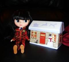 Another shortbread tin! 4/366 (Bebopgirl1969) Tags: tin blythe checkitout shortbreadtin