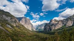 Tunnel View - Yosemite - 2015 (uwe.werling) Tags: park sky usa mountains green rot art nature clouds forest nikon view wildlife ngc natur free sigma tunnel roadtrip berge national yosemite ng amerika wald geographic bluw uwe 24105 d700 werling