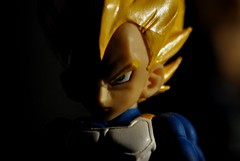 Vegeta II (Gonzalo Aja) Tags: light shadow luz ball toy dragon prince sombra super figure warrior bola dragonball juguete saiyajin vegeta guerrero principe figura saiyan supersaiyan superguerrero d3000