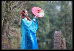 DP1U9490 (c0466art) Tags: old light portrait cute classic girl umbrella canon pose temple photography pretty place action outdoor quality gorgeous chinese taiwan sword lovely cloth charming elegant activity society pure keelung tranditional 1dx c0466art