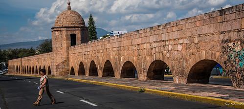 2015 - MEXICO - Morelia - Acueducto - 2 of 3
