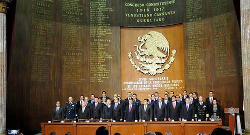 El gobernador Javier Duarte asistió a la Ceremonia Conmemorativa del 98 Aniversario de la Promulgación de la Constitución de los Estados Unidos Mexicanos